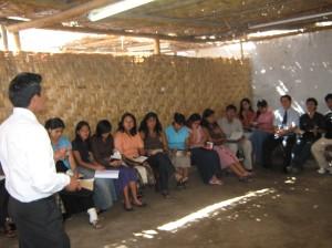 Luis A. enseñando en E.D.