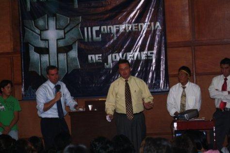 Pastores Kevin y Tony H.
